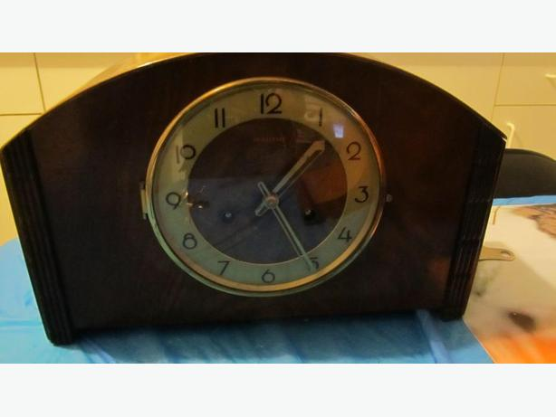 ANTIQUE BLACKFOREST 8 DAY MANTLE CLOCK