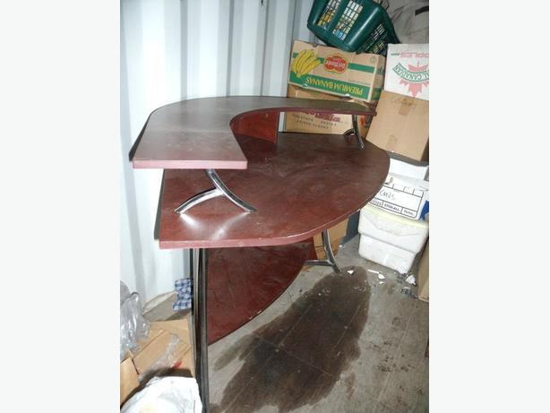 CORNER COMPUTER DESK REDWOOD COLOR CHROME MODERN $30