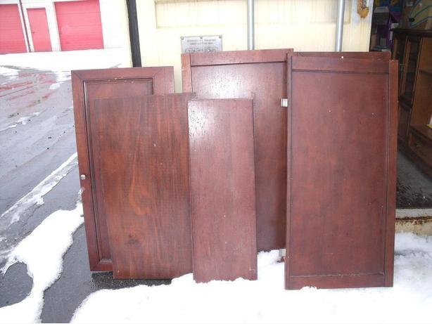 LOT OF DOORS/SHELVING REDWOOD COLOR $20