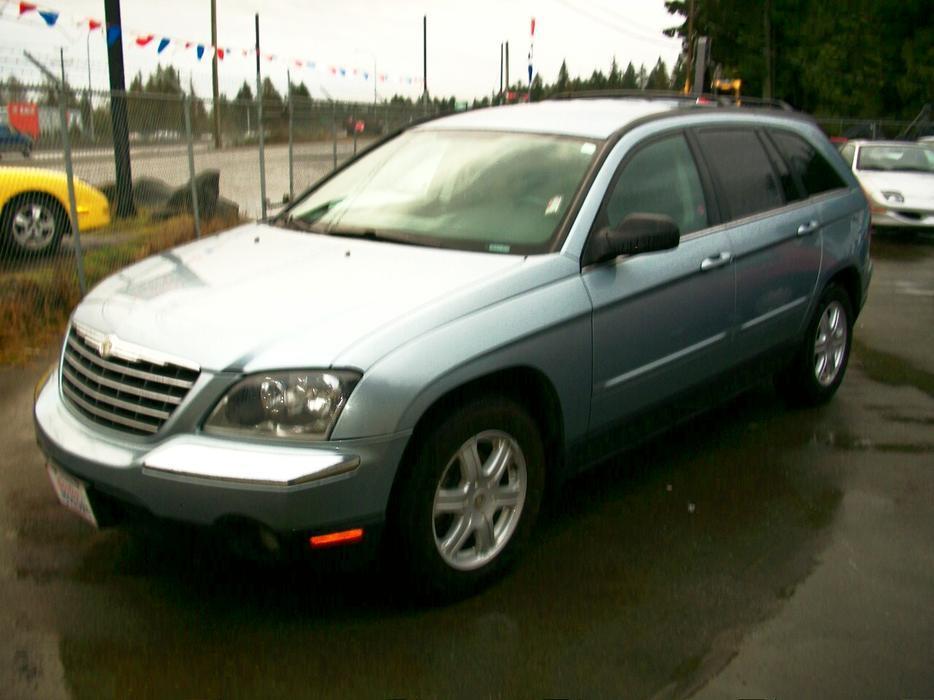 2005 Chrysler Pacifica 7 Passenger A Beauty