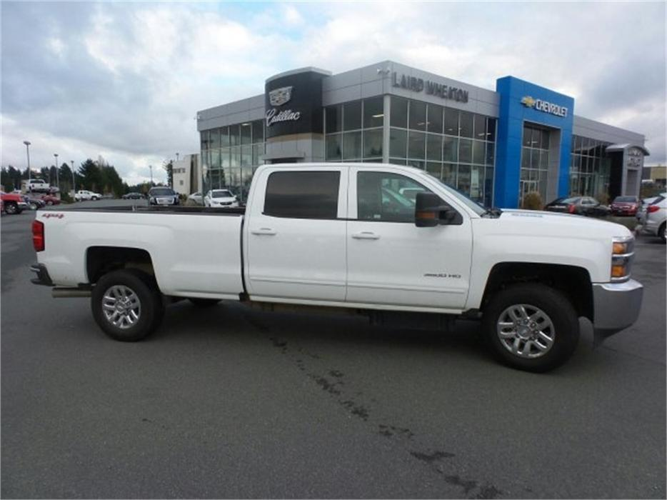2016 chevrolet silverado 3500hd lt 8ft box diesel 4x4 srw outside comox valley comox valley. Black Bedroom Furniture Sets. Home Design Ideas