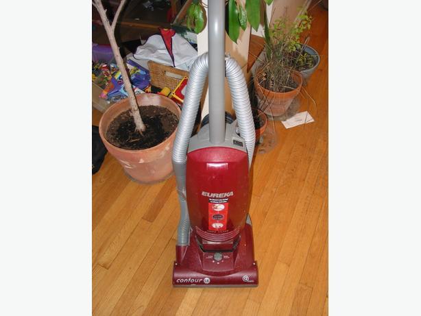 Eureka Contour 12amp upright vacuum cleaner