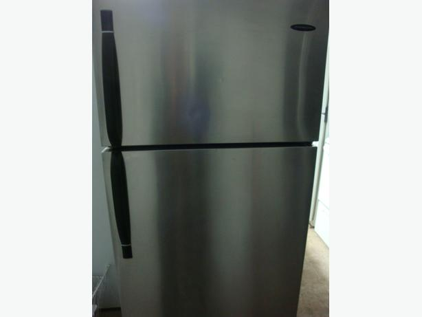 Frigidaire Stainless Steel fridge,