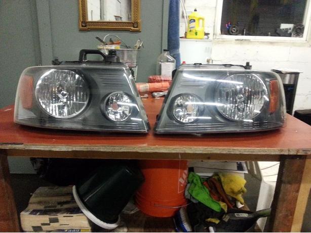 2008 Ford F150 Headlights