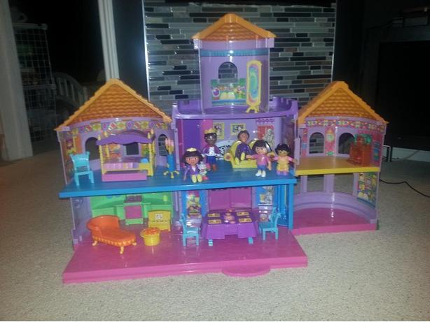 Dora Castle dollhouse and furniture