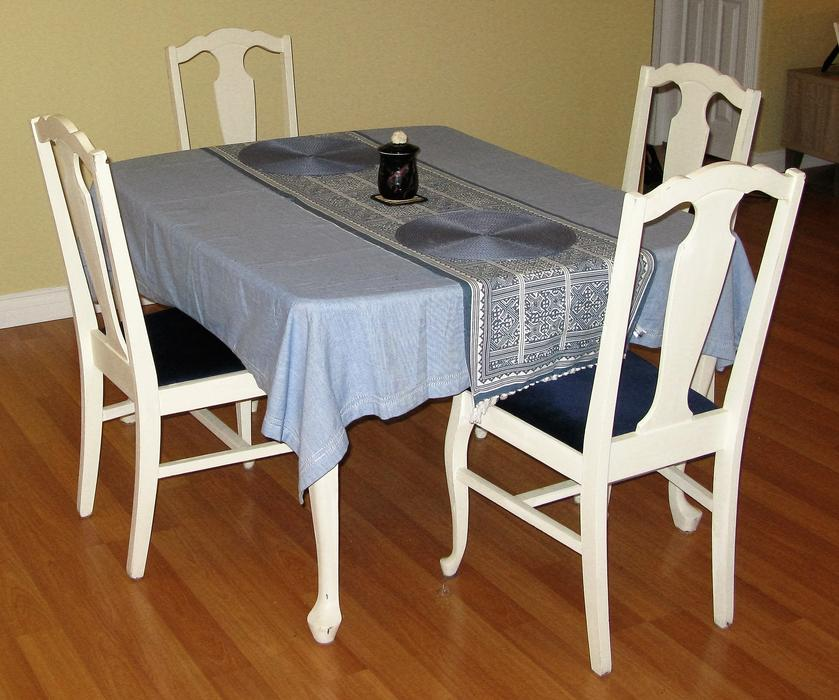 Kitchen Stools London Ontario: Shabby Chic White Wooden Table With 4 Chairs Sooke