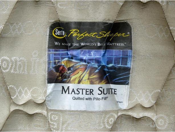 Serta Perfect Sleeper Queen Size Mattress