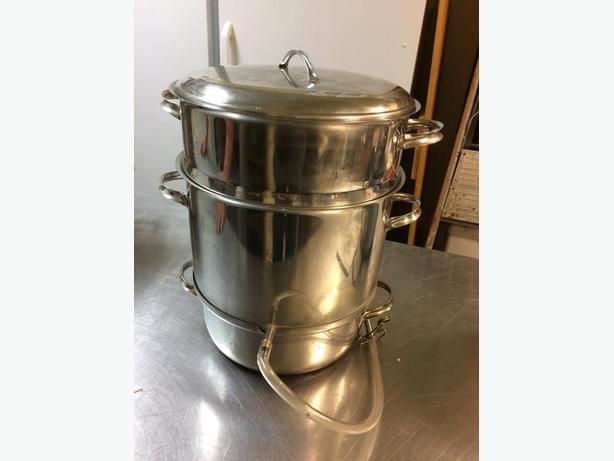 Stainless steel steamer/juicer