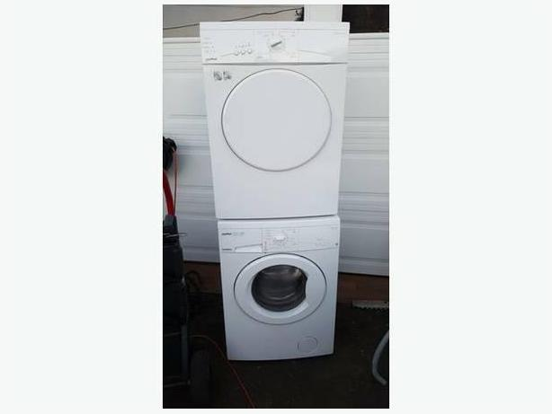 24 apartment sized moffat washer dryer set in excellent