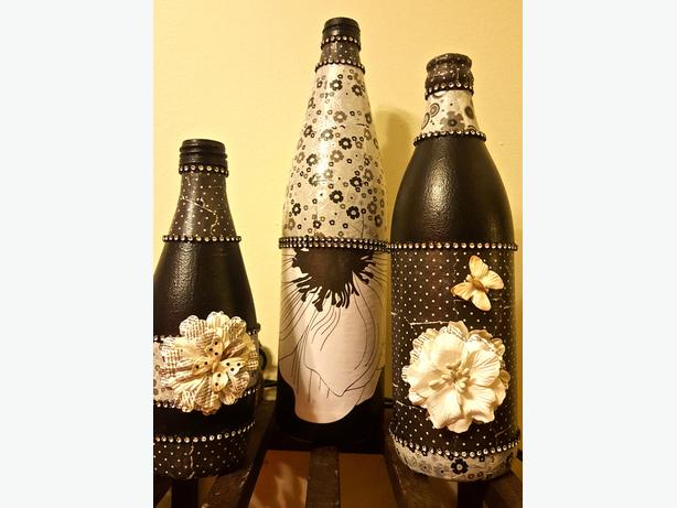HAND-MADE 3 BOTTLES SET HOME DECOR 25$ OR BOTH SETS FOR 40$