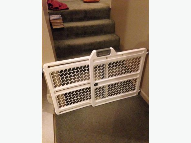FREE: baby gate