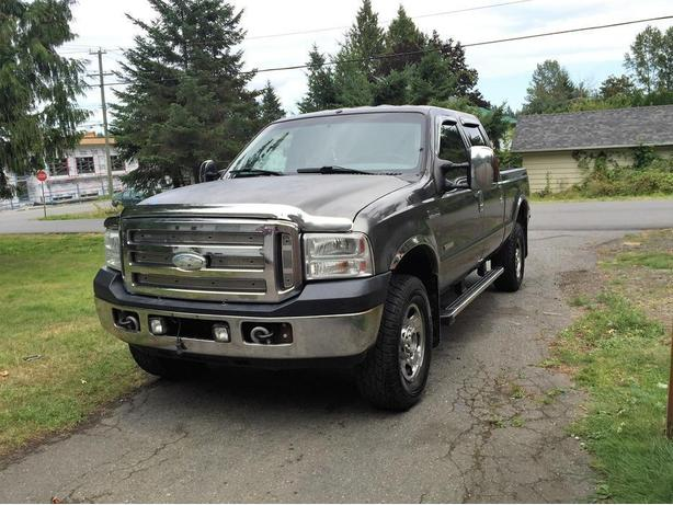 F-350 Super Duty 4WD Diesel 6.0 - Automatic - Bulletproofed - New Tranny