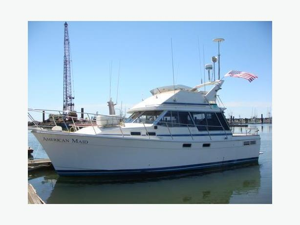 Bayliner Command Bridge Sport Fishing Boat For Sale - American Maid