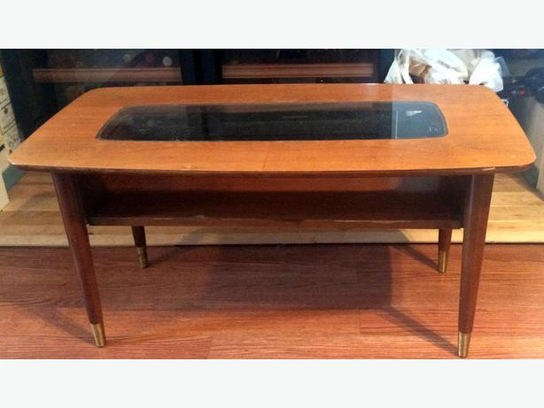 Mid century modern coffee table saanich victoria for Coffee tables 36 wide