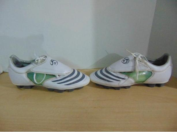 cheaper 9b438 651d8 Soccer Shoes Cleats Ladies Size 8.5 Adidas F30 TRX White Grey Clear