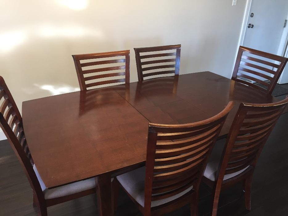 Dining room table 6 chairs victoria city victoria for Dining room tables kelowna