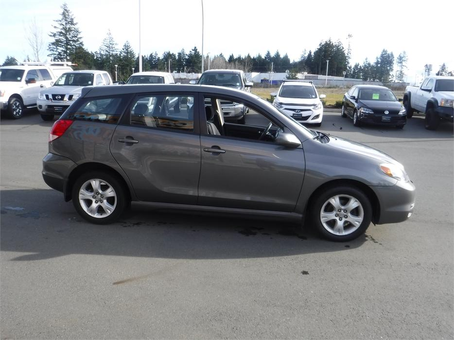 2004 toyota matrix xr alloy wheels cruise control courtenay comox valley mobile. Black Bedroom Furniture Sets. Home Design Ideas