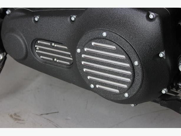 """Harley Davidson V-Twin Derby Cover - """"Classic Contrast"""""""