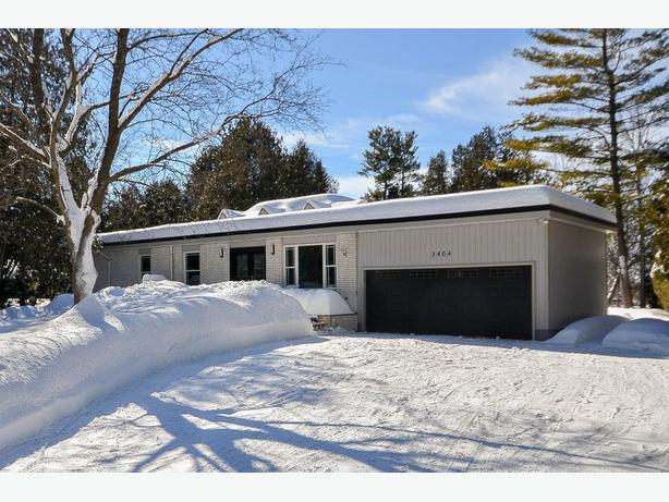 OPEN HOUSE- WATERFRONT! 1 ACRE LOT  3404 Greenbank Rd