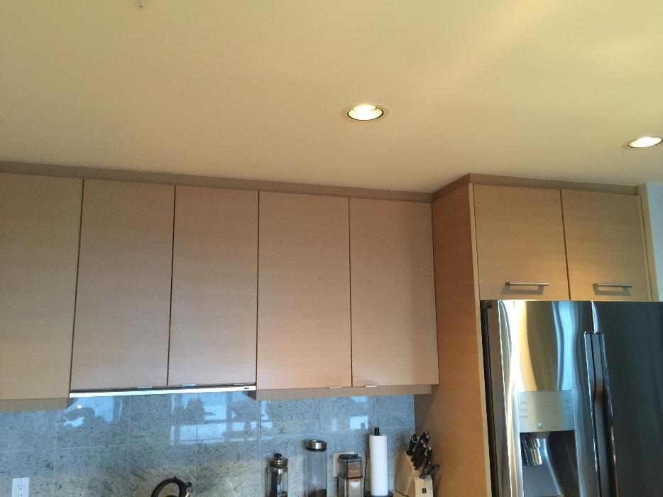 Kitchen cabinets granite counters sink gas cooktop for Kitchen cabinets kamloops