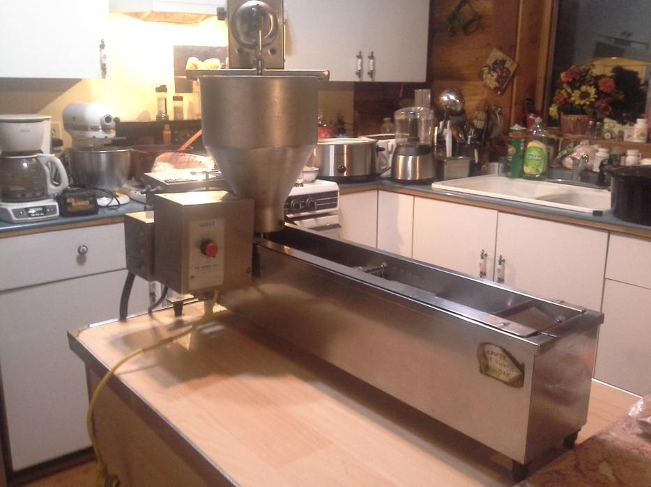 Lil Orbits SS1200 Mini Doughnuts Machine Electric 120V