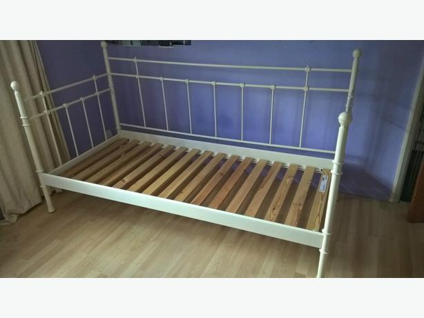 Ikea tromnes day bed saanich victoria for Metal day beds ikea