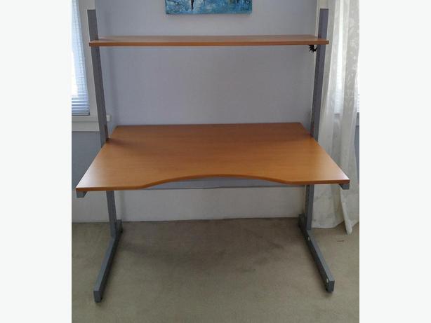 Ikea jerker computer desk central ottawa inside greenbelt for Ikea metal frame shelf