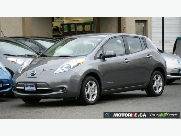 2014 Nissan LEAF SV - Premium Pkg - Free Weekend Long Test Drive! - M8532