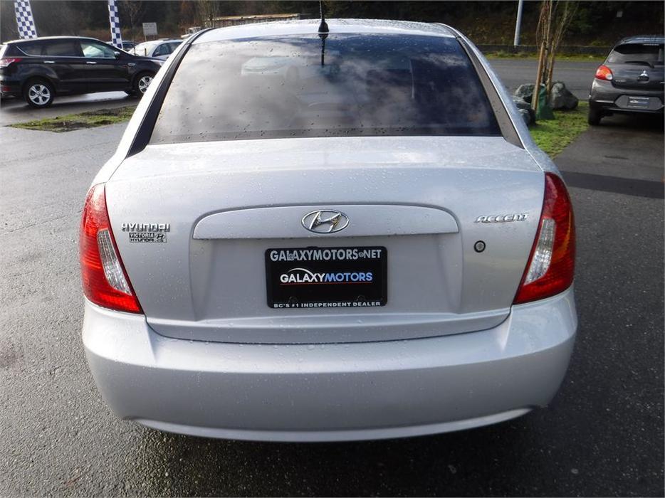 2009 Hyundai Accent Gl 5 Spd Manual Bluetooth Tinted