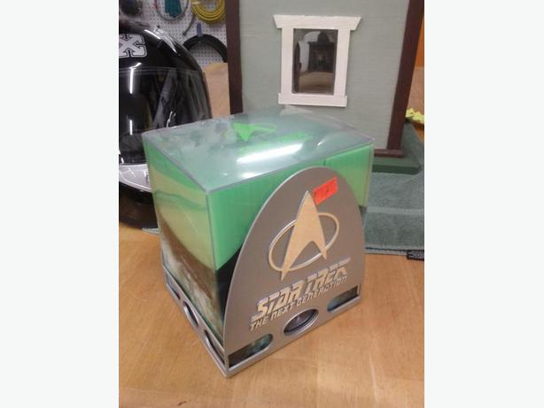 Next Generation Star Trek 20 Anniversary Clooector Set