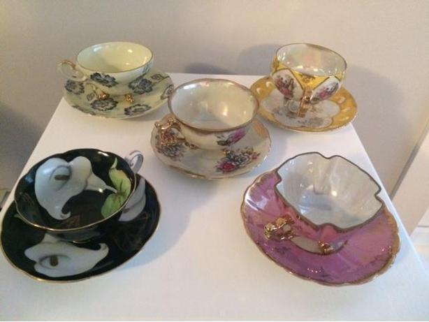 3 footed teacups