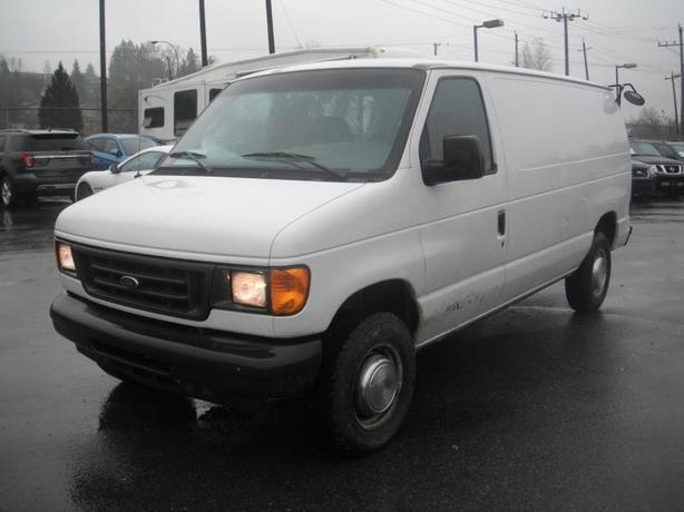 2005 Ford Econoline E-250 Cargo Van with Shelving
