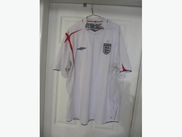 2005-2007 England Umbro X-Static Jersey with hologram. Men's XL. Stitched