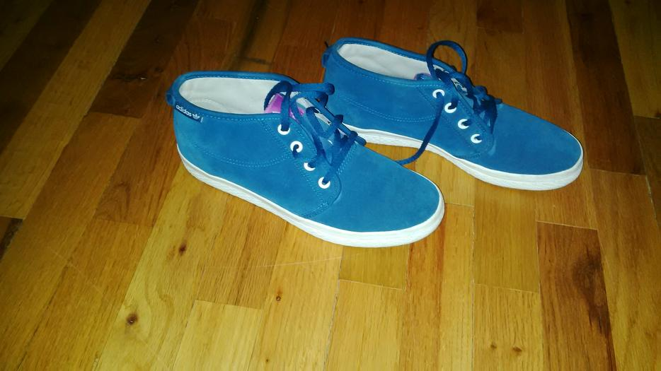 Blue Suede Shoes Mississauga