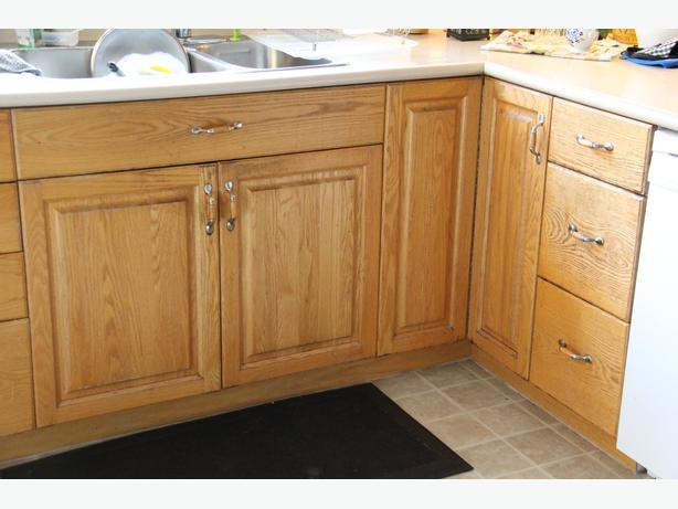 Oak Kitchen Cabinets Lowers Only West Shore Langford