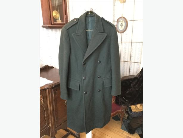 SPRING SALE! Cool vintage men's 1969 Canadian Forces green wool overcoat (A155) w61hoP59X