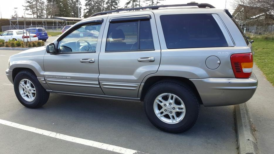 1999 4 0l 4x4 Jeep Runs And Drives Excellent Saanich