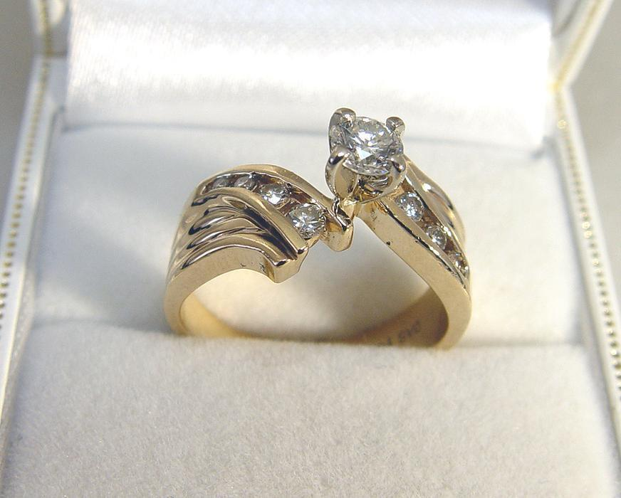 25 14k yellow gold 9 diamonds 0 74tdw engagement