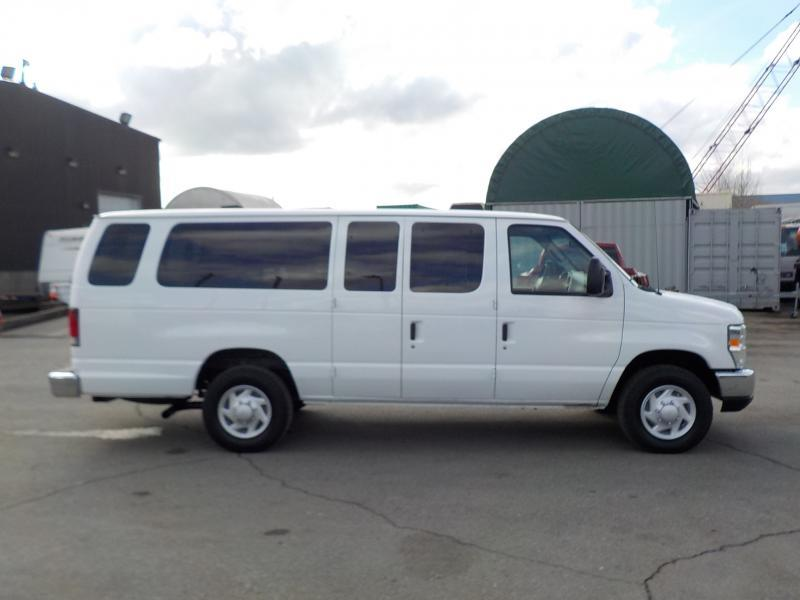 2008 Ford Econoline E 350 Extended 14 Passenger Van