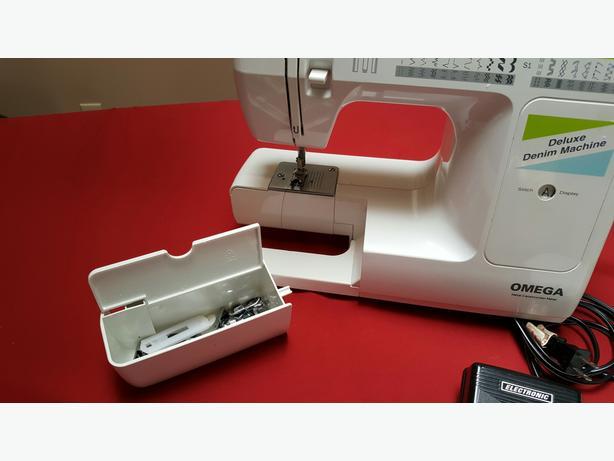europro omega deluxe denim machine model 7500 central saanich rh usedvictoria com Franklin Sewing Machine Manual Franklin Sewing Machine Manual