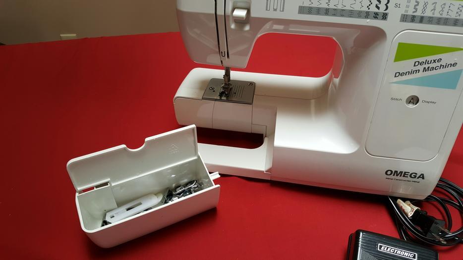 europro omega deluxe denim machine model 7500 central saanich rh usedvictoria com Juki Sewing Machine Manual Singer Sewing Machine Manuals