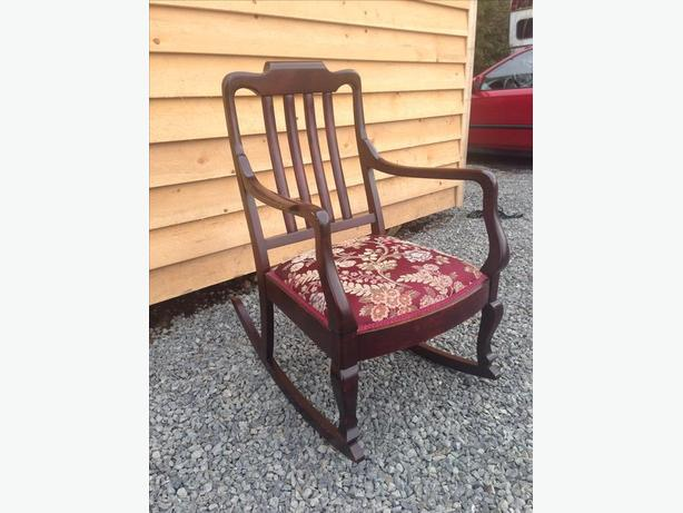 Super Comfortable And Clean Rocking Chair Central Saanich Victoria