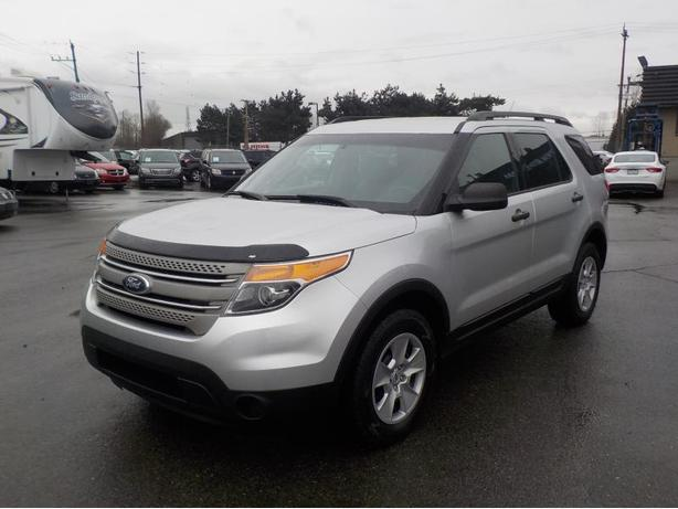 2013 ford explorer 4wd with 3rd row seating outside comox valley campbell river. Black Bedroom Furniture Sets. Home Design Ideas