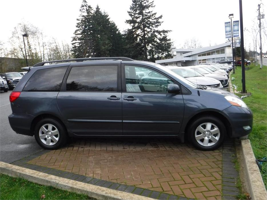 2006 toyota sienna le leather interior cruise control. Black Bedroom Furniture Sets. Home Design Ideas