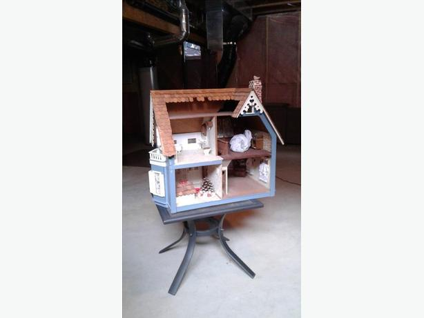 Antique Wooden Victorian Dollhouse