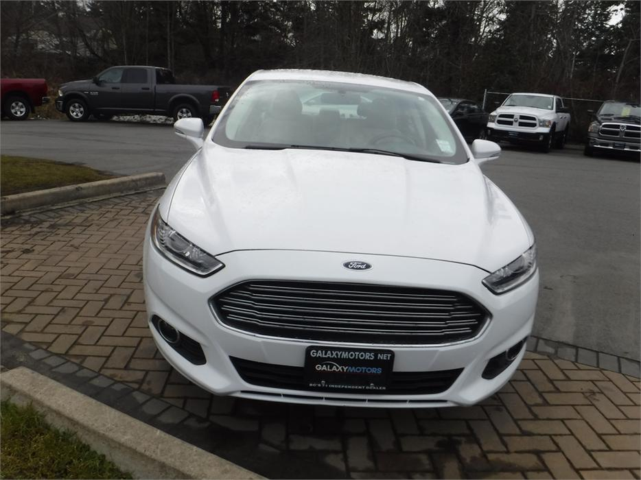 2015 ford fusion se leather interior reverse camera. Black Bedroom Furniture Sets. Home Design Ideas
