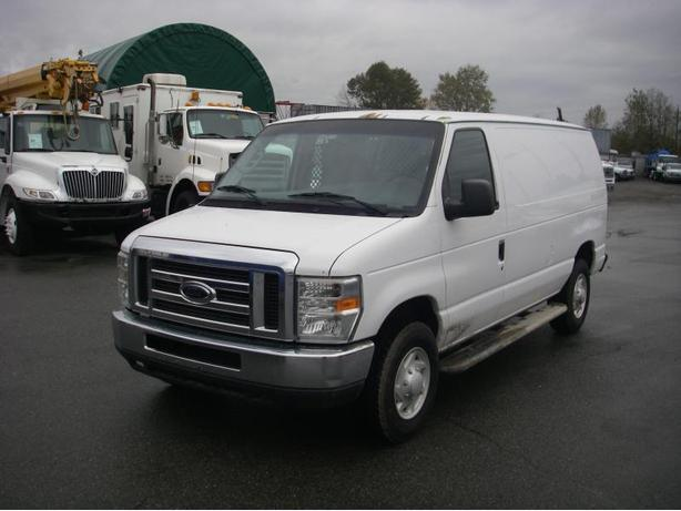 2008 Ford Econoline E-250 Cargo Van with Shelving