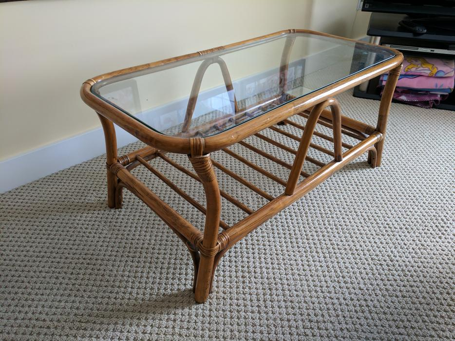 Rattan glass coffee table 3 end tables courtenay for Coffee tables kelowna