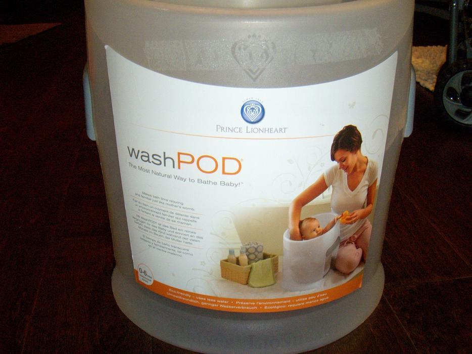 baby bath bath tub seat wash pod saanich victoria. Black Bedroom Furniture Sets. Home Design Ideas