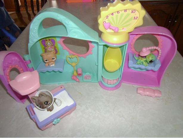 Littlest Pet Shop Get Better Center Playset
